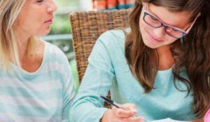 El acompañamiento de un tuto o profesor es una manera amena de afianzar los conocimientos y resolver cualquier duda que se tenga en el momento